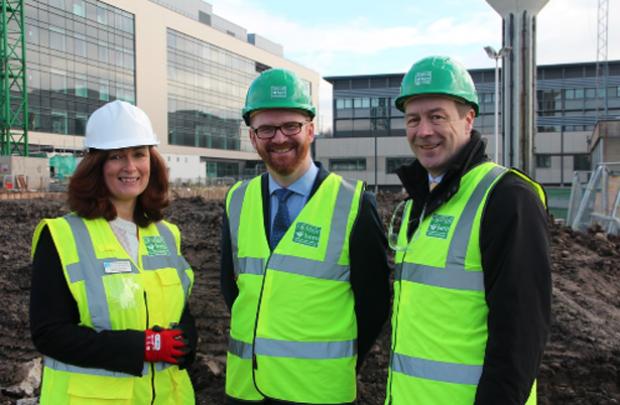 Health Minister Simon Hamilton tours Ulster Hospital new Ward Block with Naomi Dunbar and Seamus McGoran, SE Trust